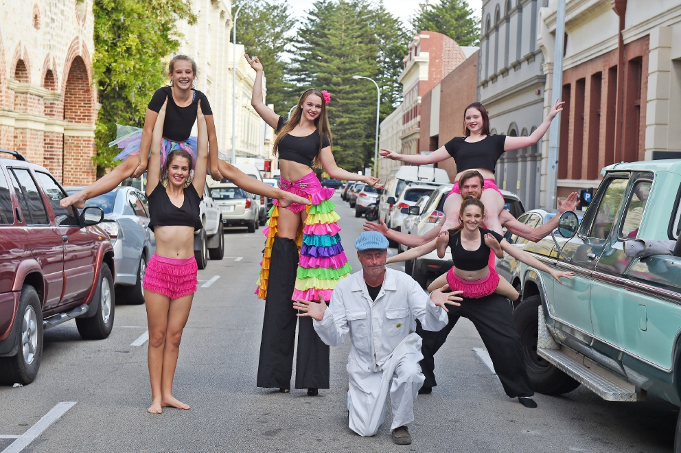 Street artists Leeroy Hart, Tim Simpson, Ellie Hurn, Stella Masters, Phoebe Ingleson, Luka Mellor and Emily McCrea prepare for the Fremantle Street Arts Festival. Picture: Jon Hewson        www.communitypix.com.au   d451043