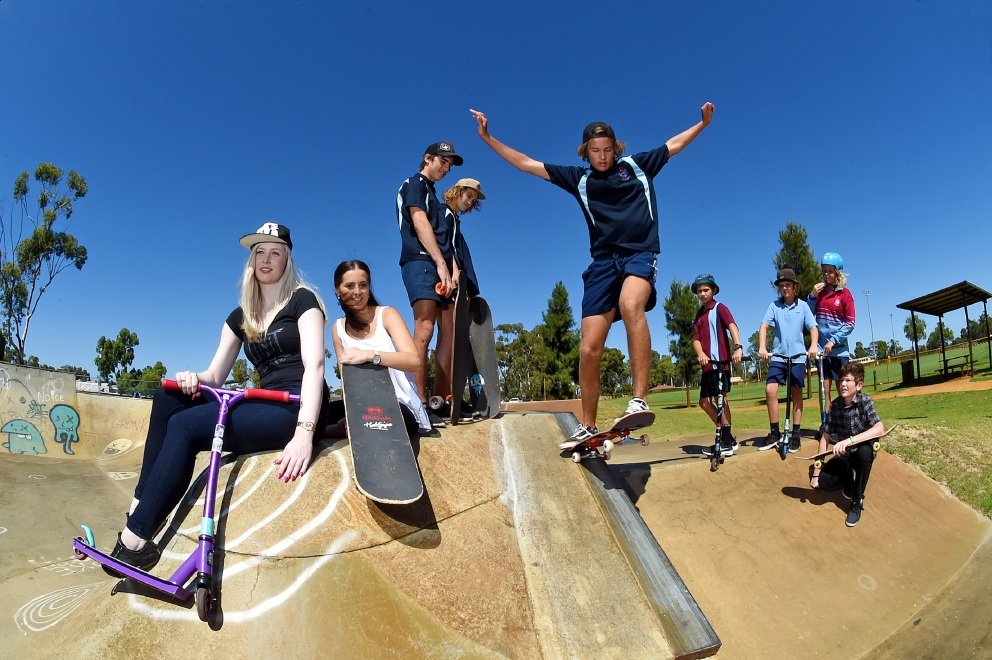 Rachael Cross, Andrea Furaro, Sterling Winmar, Kayne Lacey-Ritchie, Treyall Hutchinson (skating), Linc Thompson, Cassidy Retter, Jimmy Leesteere and Stian Strijdom prepare for the big day. Picture: Jon Hewson