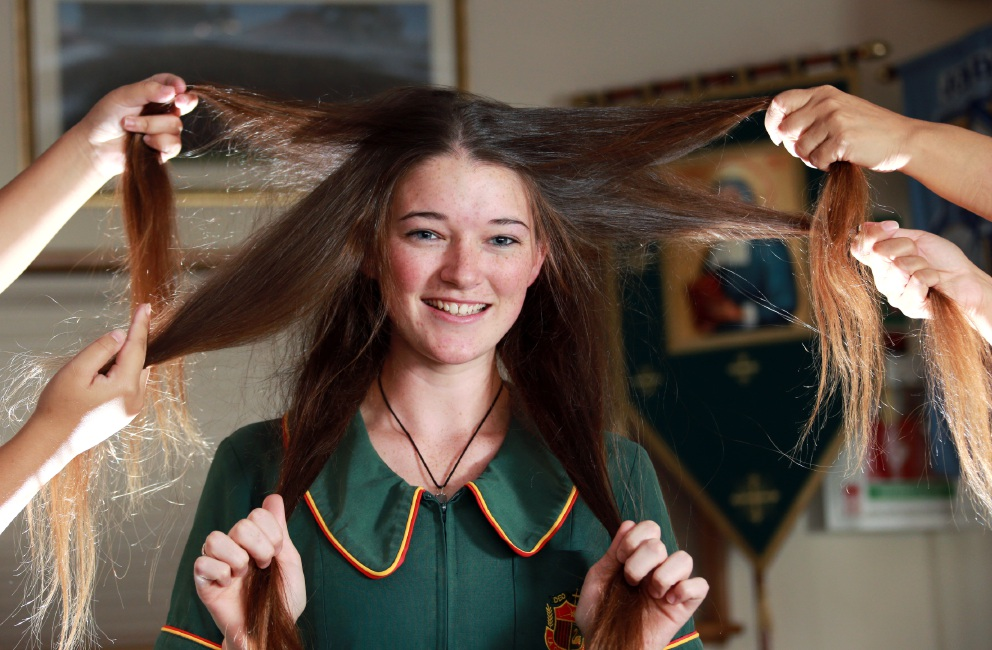 Siobhain Murphy (17), of Stratton, will take part in the Greatest Shave for 2016. Picture: David Baylis www.communitypix.com.au   d450748