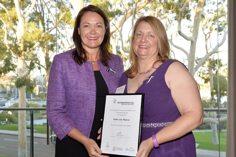 Holly-ann Martin receives her WA Women's Hall of Fame Certificate from Deputy Premier Liza Harvey.