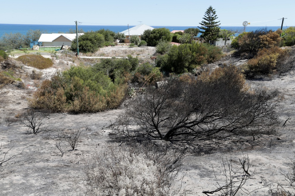 The site of the scrub fire in Yanchep on Saturday.        www.communitypix.com.au   d451021