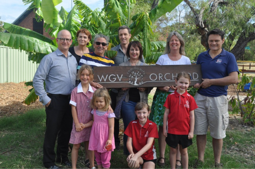 White Gum Community Orchard members with Fremantle councillors including Dave Coggin, Ingrid Waltham and Josh Wilson (back row). Steph Jennings is second from right.