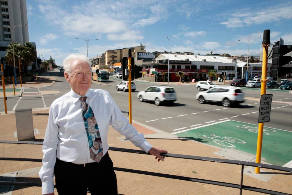 Engineer Peter Airey advocates going under to get on top of Scarborough Beach Road's traffic problems.  Picture: Andrew Ritchie        www.communitypix.com.au   d450779