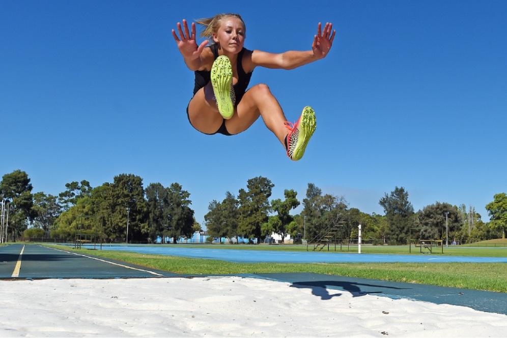 Heptathlete Isabella Morton-Smith training at long jump. Picture: Jon Hewson www.communitypix.com.au   d449407