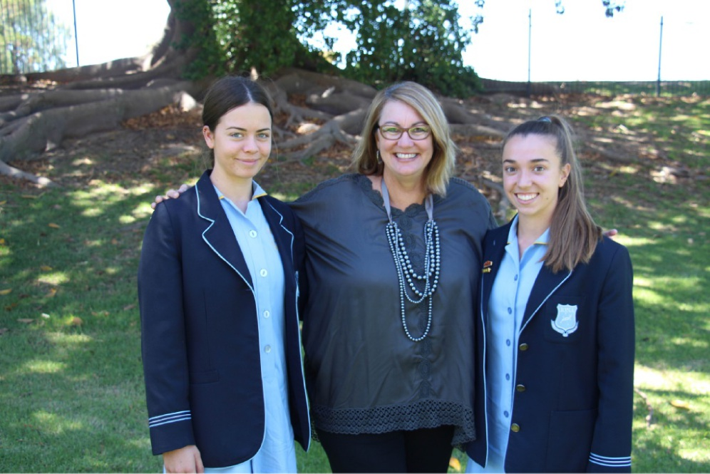 Shelley Taylor-Smith with Abbey Waddell (left) and Phoebe Howie (right).