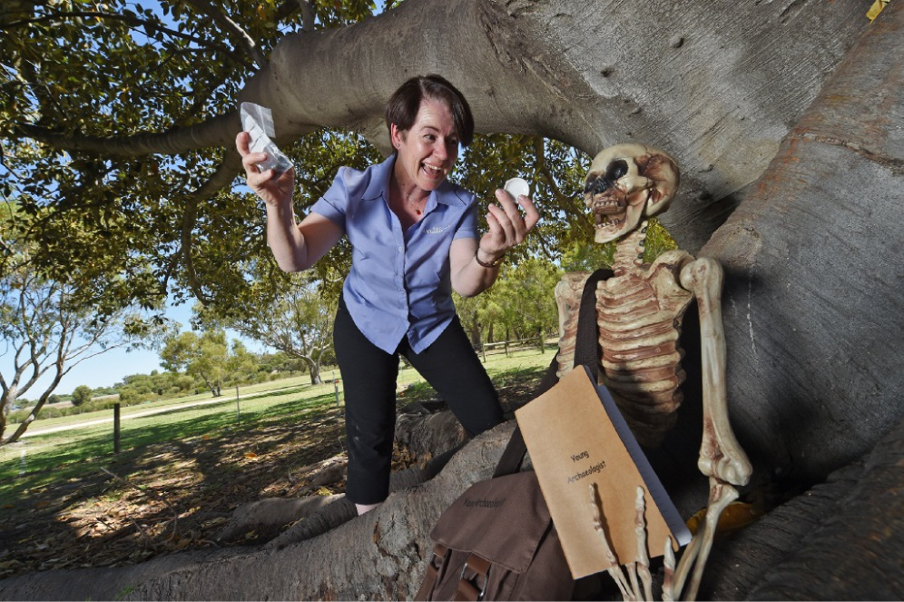 Archaeologist Sue Carter has started a new class for the parents of those who attended her junior classes. Picture: Jon Hewson www.communitypix.com.au   d449600