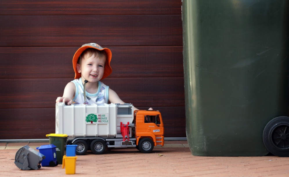 Harrison Higgs is fascinated with garbage trucks. Main picture: Martin Kennealey        www.communitypix.com.au   d449926