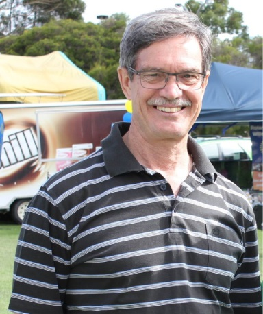 Riverton MLA Mike Nahan has thrown his support behind a proposal to develop a new tavern at Stockland Riverton.