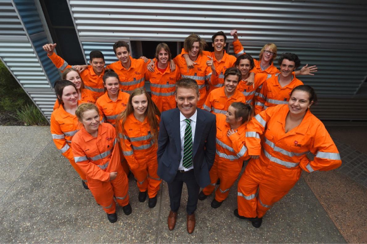 Apprentice advisor Shaun Cox surrounded by new apprentices. Picture: Jon Hewson www.communitypix.com.au   d449292
