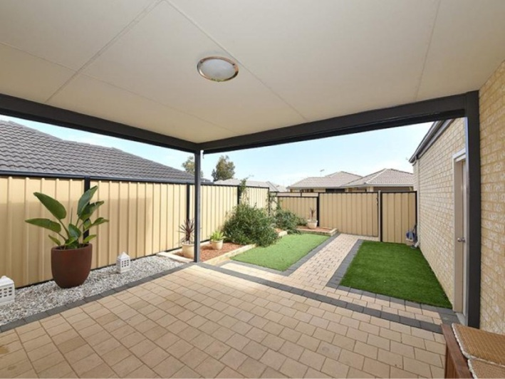 Carramar, 6 Ripplevale Circle – $445,000 to $465,000