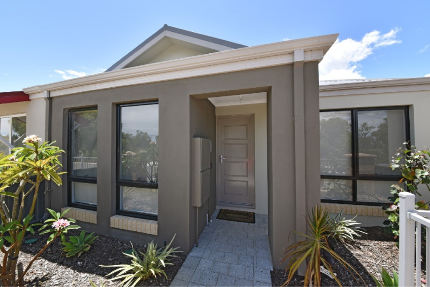 Banksia Grove, 71 Cuddlepie Turn – $365,000 to $385,000