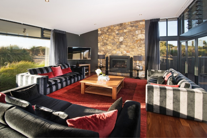 Naturaliste, 10 Duckworth Place – Offers by March 4