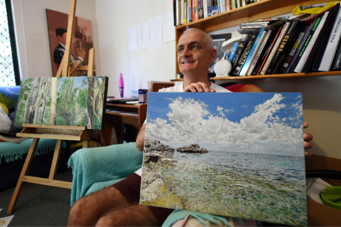 Artist Paul Mitchell with one of his works.  Picture: Jon Hewson www.communitypix.com.au   d449040