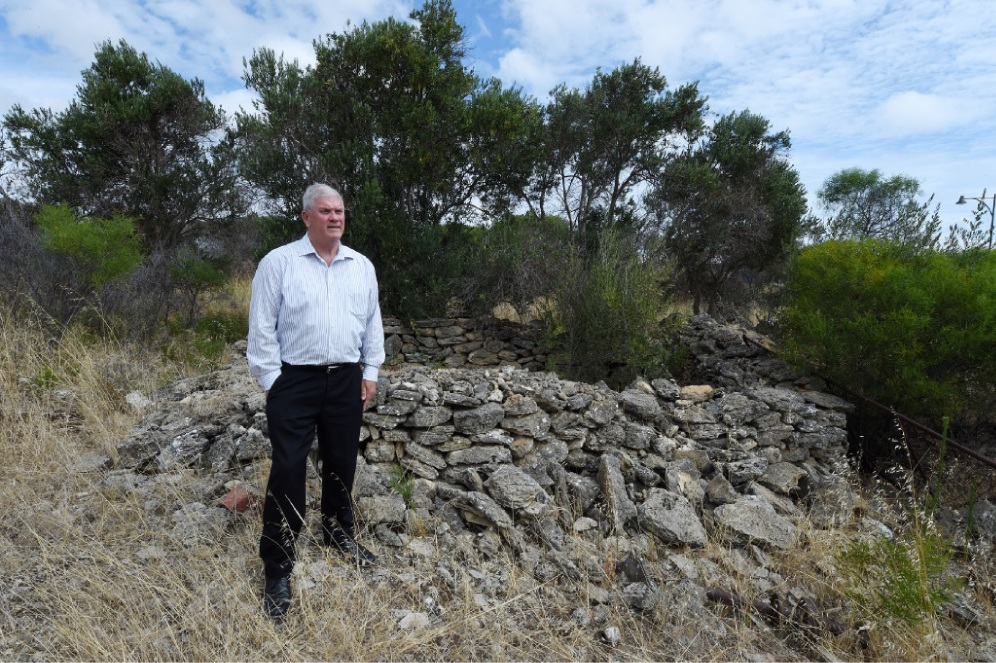 City of Cockburn Mayor Logan Howlett at the Munster wall and ruins.  Picture: Jon Hewson        www.communitypix.com.au   d448826