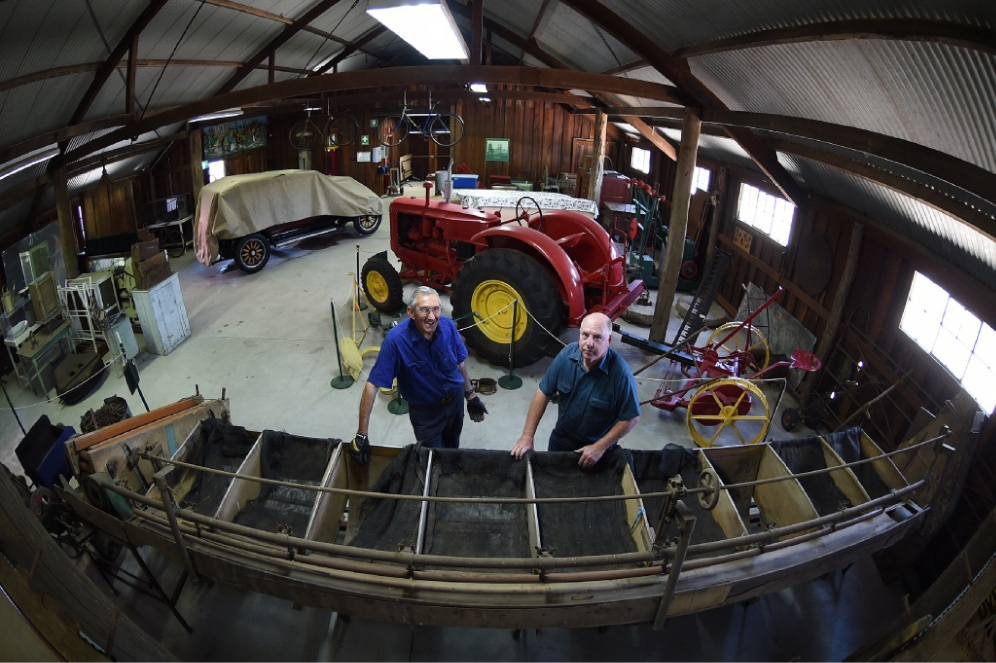 Restoration workshop volunteers David Ashfold and Murray Sharpe. Picture: Jon Hewson www.communitypix.com.au d447984