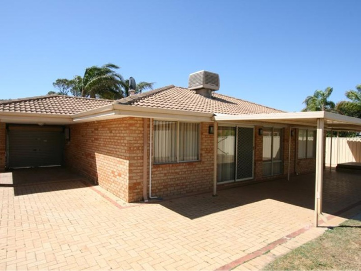 Cooloongup, 10 Sunningdale Circle – $375,000