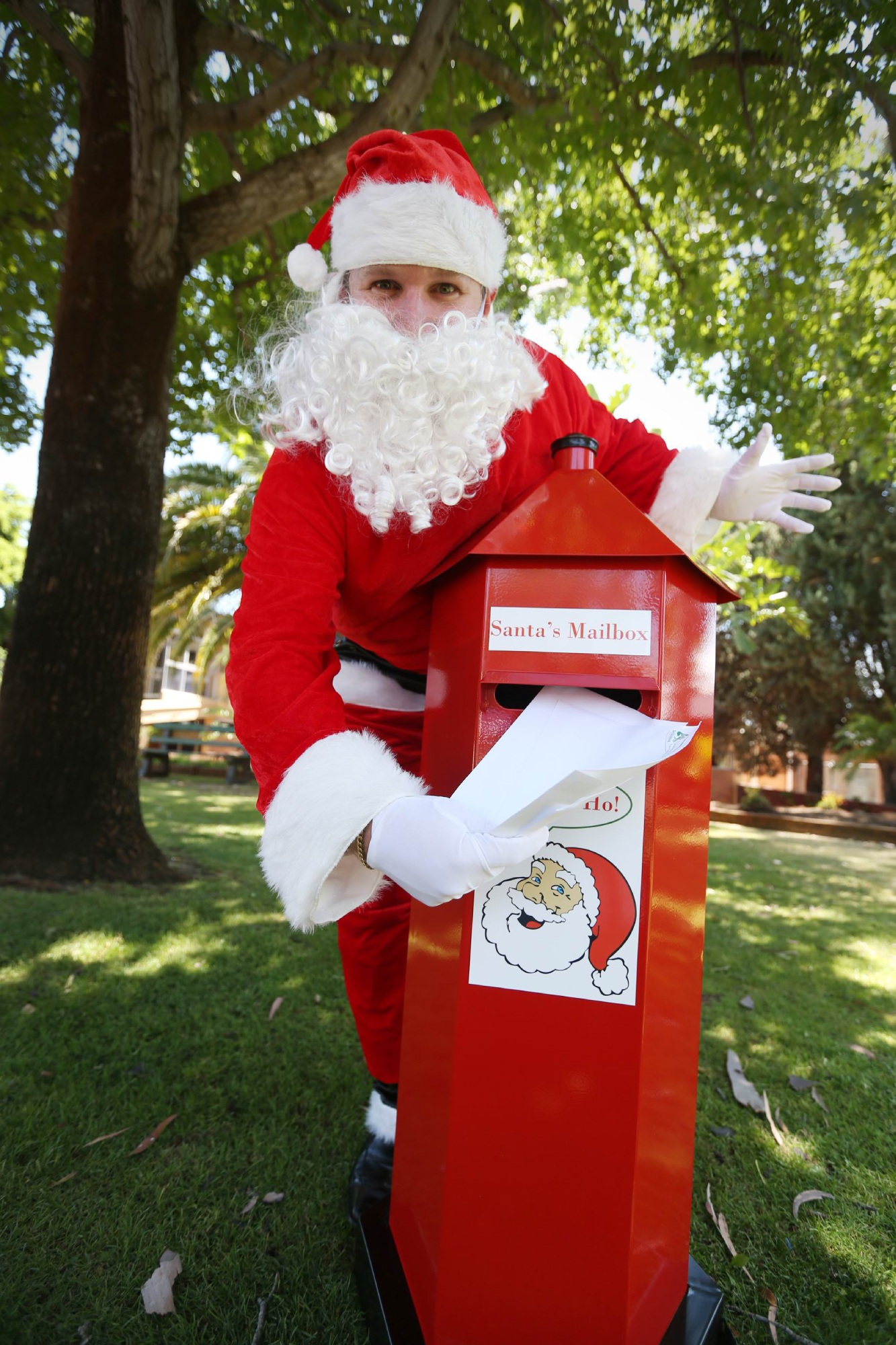 The red pillar-box was stolen from the Saint Vincent De Paul Society shop on Old Perth Road.