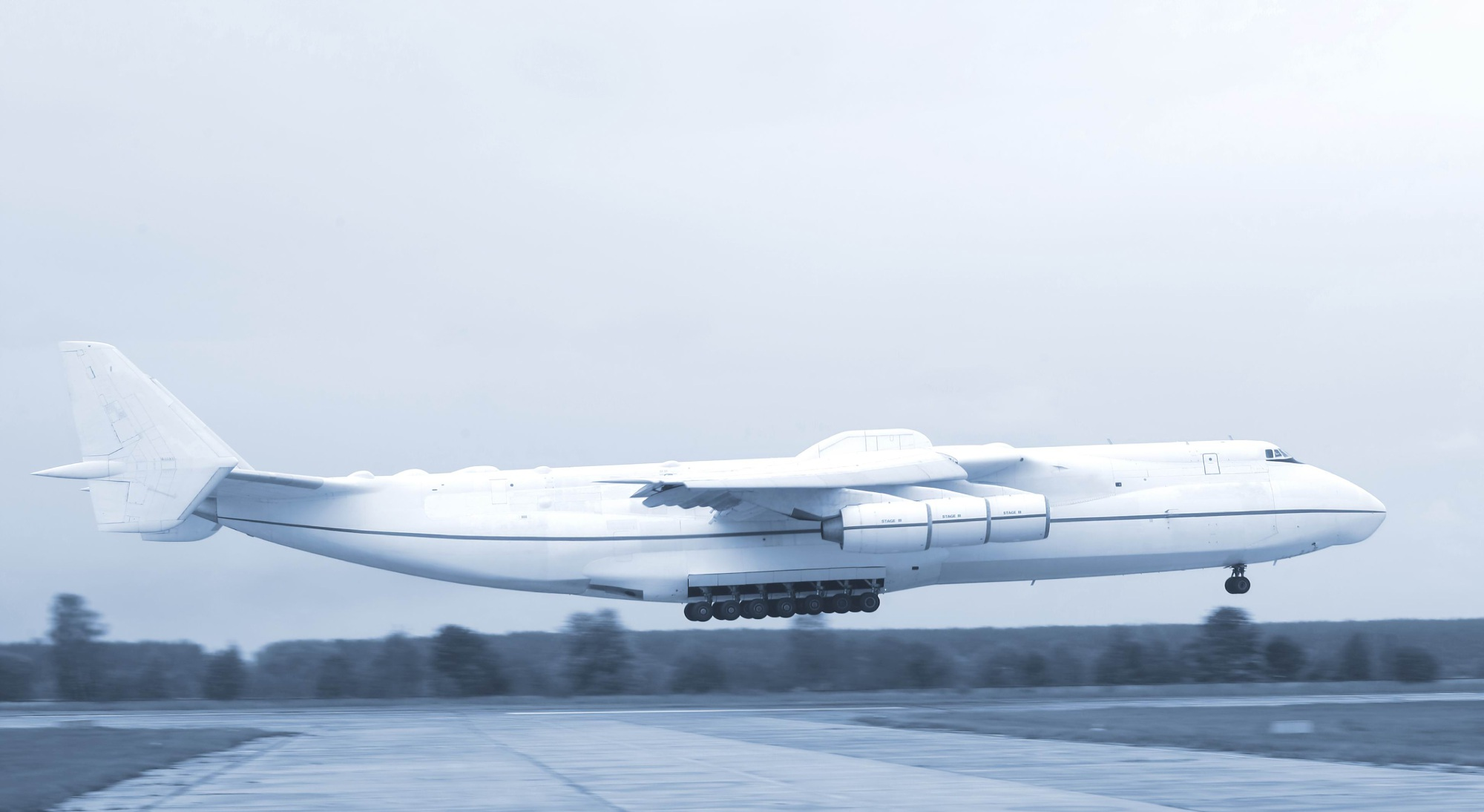 World's biggest plane, the Antonov AN-225, to touch down in Perth on Sunday