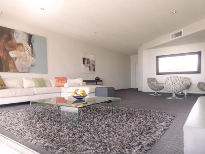 Mullaloo, 4/10 Oceanside Promenade – $1.2 million