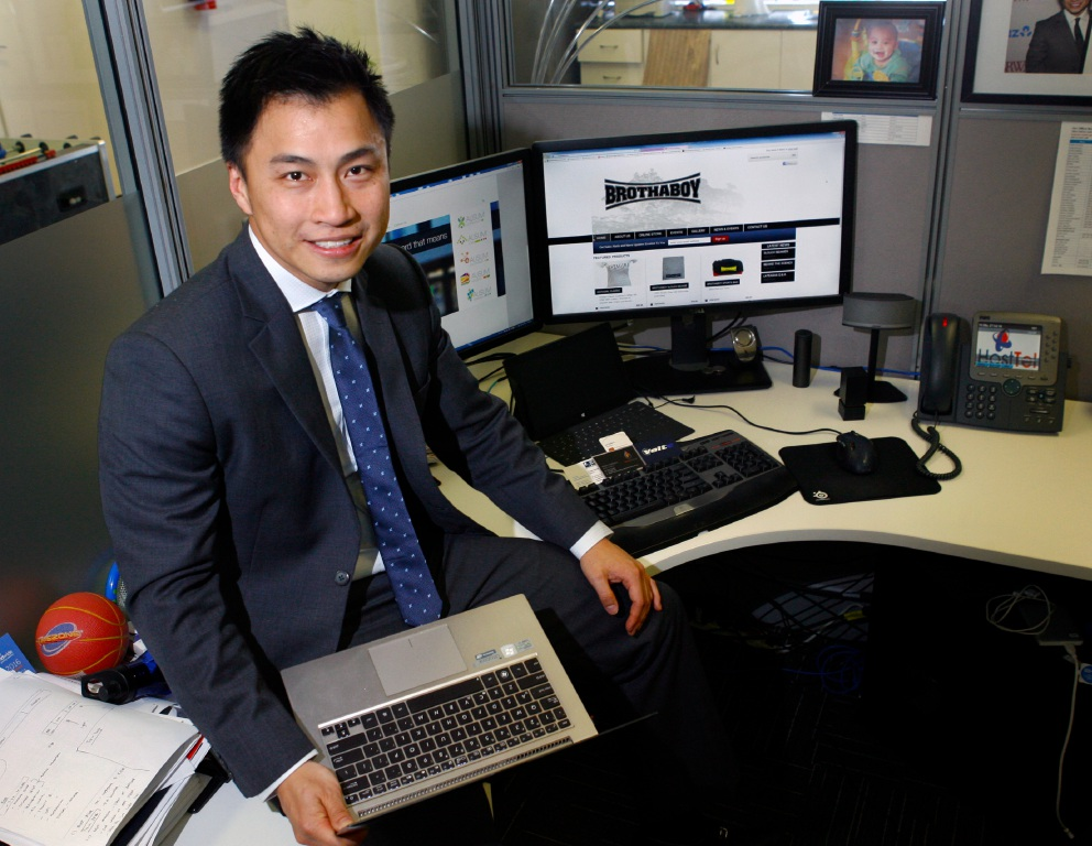 Bernard Chia has volunteered with Ausum for almost three years.          d453264