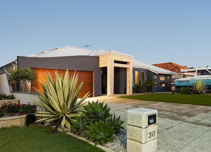 Port Kennedy, 30 Riviera Vista – From $649,000