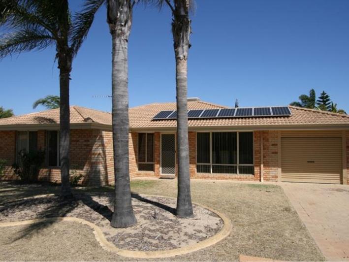 Cooloongup, 10 Sunningdale Circle – $345,000-$360,000