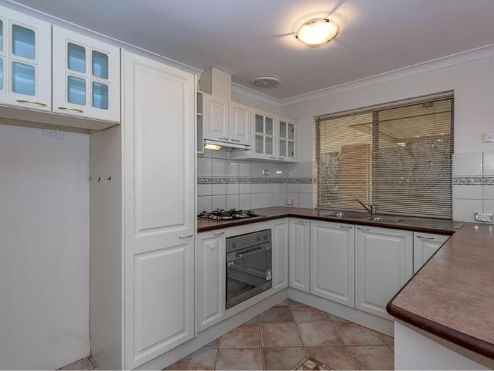 Leda, 45 Perham Crescent- $400,000