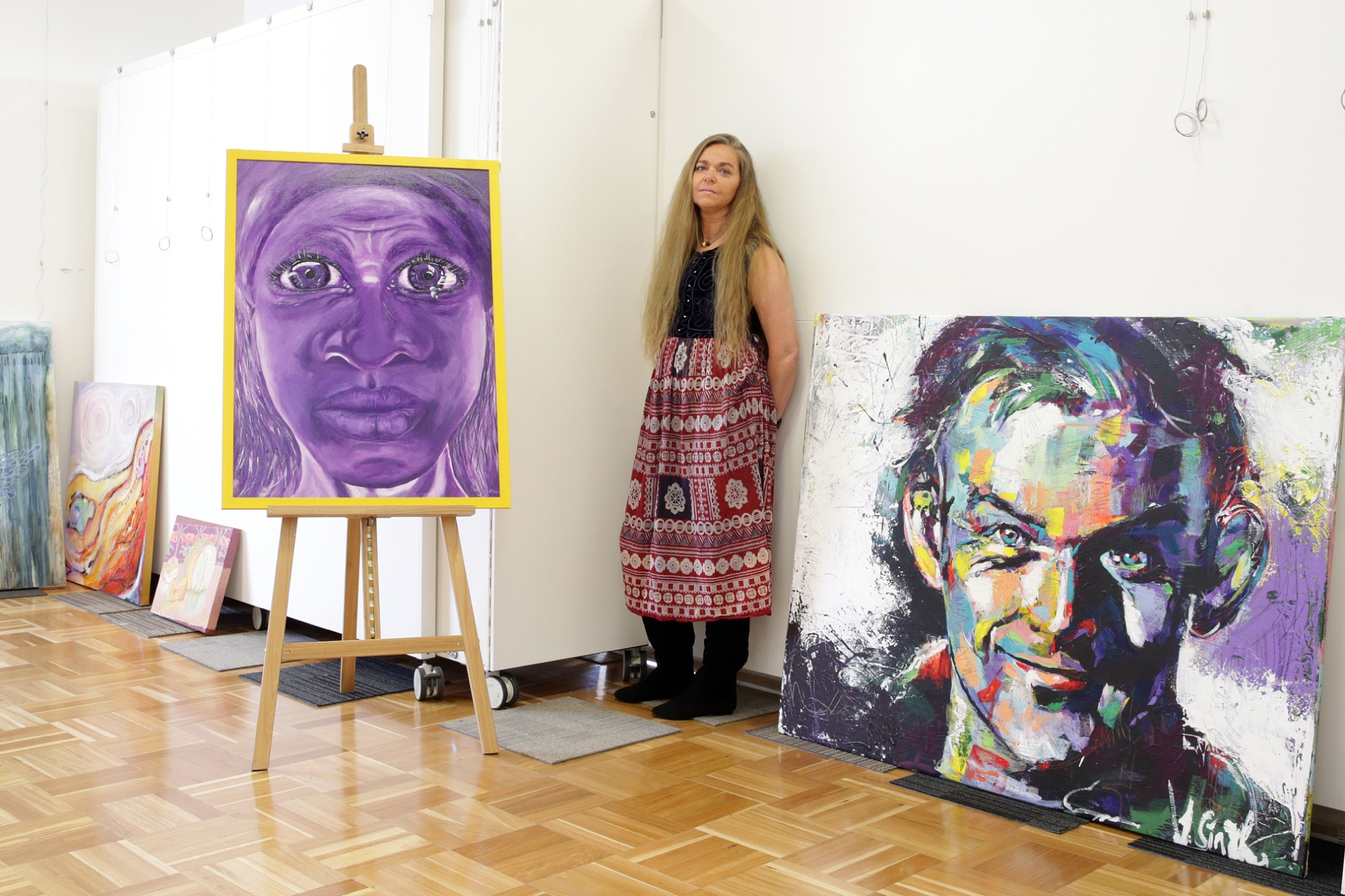 Marangaroo artist Courtney Aaron with her entry in the annual art awards. Picture: Martin Kennealeywww.communitypix.com.au   d453739