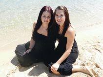 Jessica and Georgia Kaye.
