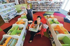 Cannington Library staff Gordana Summerfield and Catherine Vinh (foreground) d397420