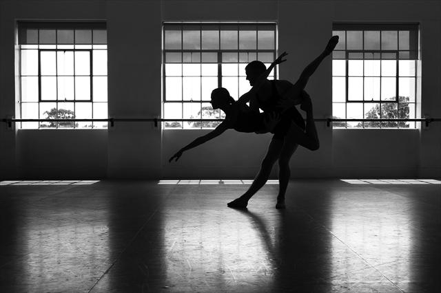 Dancers Brooke Widdison-Jacobs and Daniel Roberts. d397690
