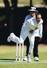 Hilton-Palmyra bowlers left East |Fremantle floundering early. d397766