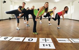Amara Fredericks teaching a class of Bokwa Fitness.