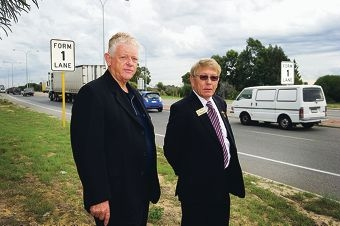 Councillors Rudi Steffens and Norm Hewer. d399666