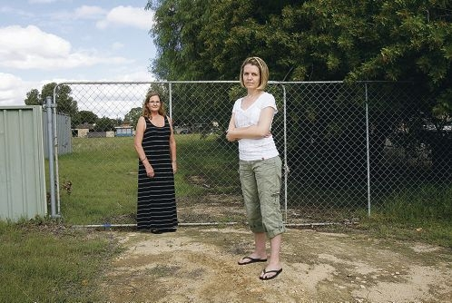 Residents Jill Willis and Carolyn Sheridan are against the proposed development.|Picture: Marie Nirme www.communitypix.com.au d400471