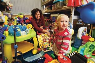 Darcey Forrester with her mother Heather at Belmont Toy Library. Picture: Matthew Poon www.communitypix.com.au d400349
