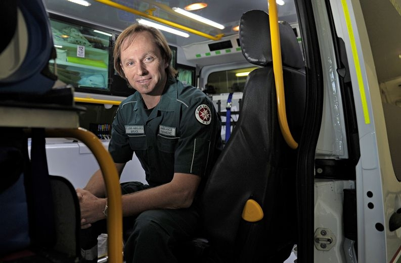 Baldivis ambulance paramedic Bruce Wicksteed, fast-tracked to the healthcare coalface. Picture: Elle Borgward www.communitypix.com.au d402455