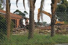 End of an era: the Kwinana Lodge Hotel, is being demolished to make way for a commercial/residential development. Picture: Elle Borgward www.communitypix.com.au d403040