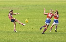 Emma Swanson from the Peel Thunderbirds (with the ball) in action against Joondalup recently. Picture: Louise White d380570
