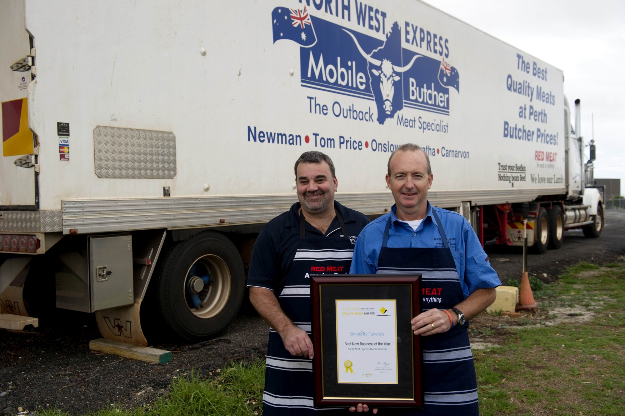 Have meat will travel...butchers Graeme Green and Larry Brewer. Picture: Emma Reeves www.communitypix.com.au d403457