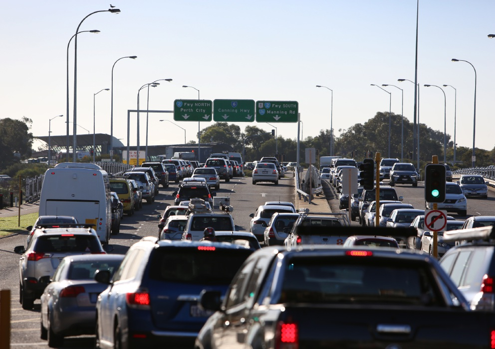 Canning Highway: growing congestion at peak hours brings highway to a standstill