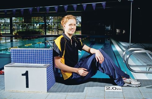 Holly Barratt has returned to the pool after a four-year break focused on chasing her sporting dreams. Picture: Matthew Poon www.communitypix.com.au d384228