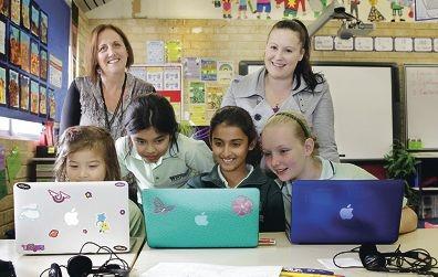Teachers Alison Kelly (East Fremantle) and Lauren Horne (Success) with year 4 students Renee Perrett,Rayana Sebat,Maha Ejtahed and Carie Breytenbach.