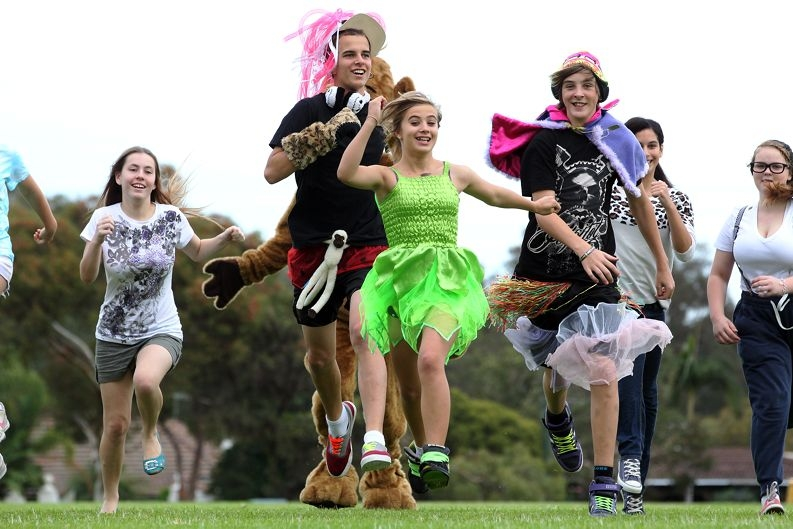 Justin Schramm, Anya Fey and Caelum Martin lead the pack. Picture: Bruce Hunt www.communitypix.com.au d400306