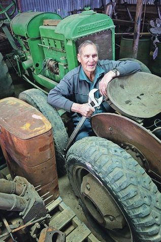 Tractor restorer Ron Waterhouse. Picture: Bruce Hunt d424268