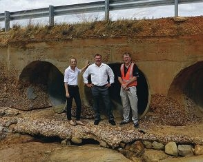 Mia Davies MLA, Paul Brown MLC and Main Roads representative Mike Hayward at the Quairading-Cunderdin Road Culvert.