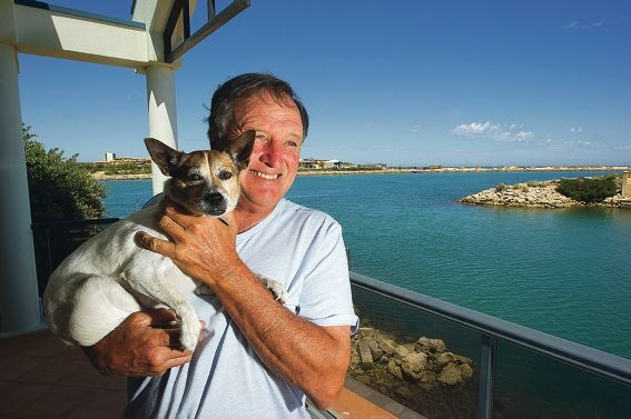 Cliff Nock with Baldrick who was dehydrated and thin. Picture: Jon Hewson www.communitypix.com.au d414582