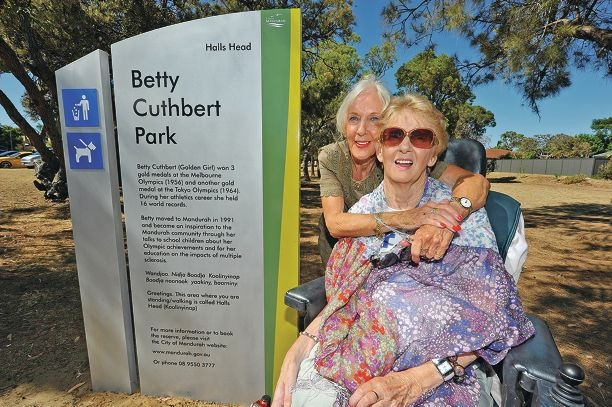 Betty Cuthbert and her twin sister Marie Johnston at the park named in Betty's honour. Picture: Jon Hewson www.communitypix.com.au d414913