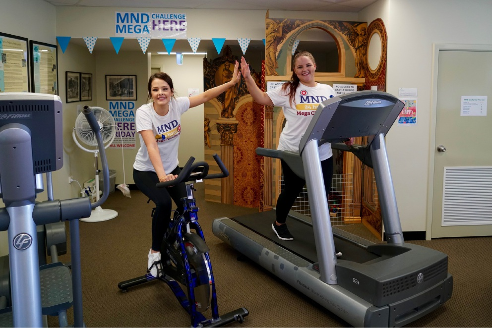 Siara Taylor and Ashlee Lawton joined in Tonia Westmore's MND Mega Challenge.