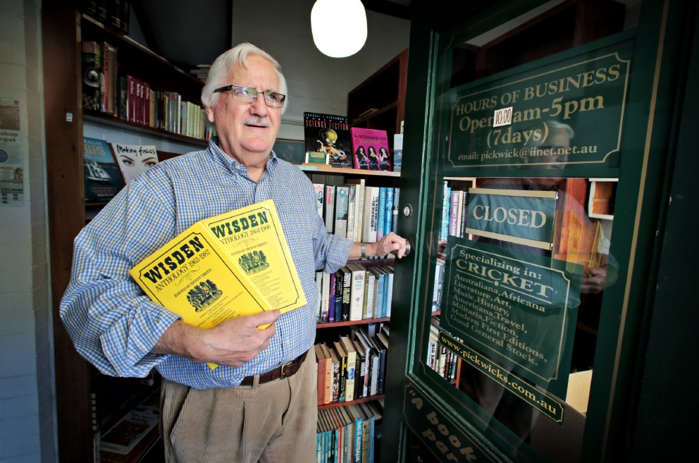 Turning the page... Pickwick's Second-hand Bookshop owner Rod Berry is retiring. Picture: David Baylis   d453913